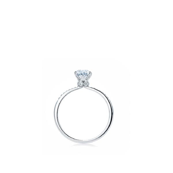 密镶白金版美钻戒指