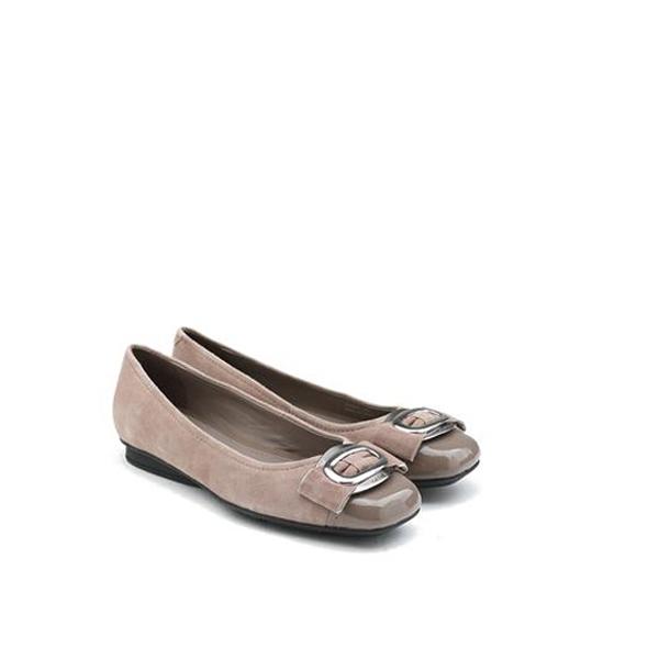 女士金属装饰绒面平底鞋