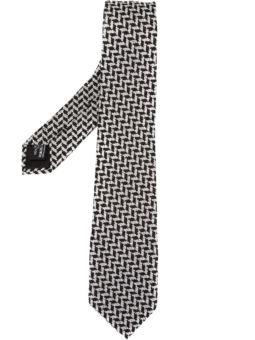 Z字形图案领带